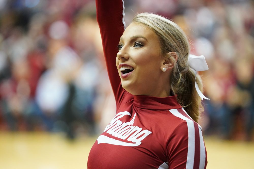 indiana-university-cheerleader