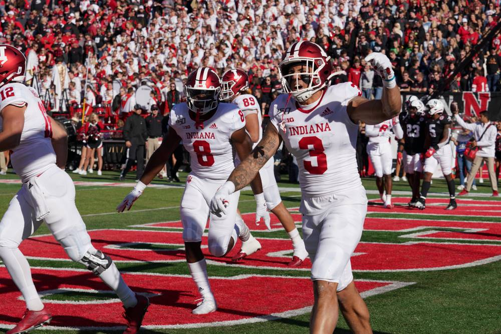 Football Bowl Games 2020.Indiana Football Hoosiers Will Face Kentucky In 2020 Gator